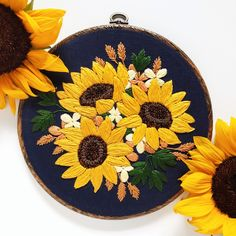 I FINALLY finished this sunflower hoop that I've been working on since last summer! So much satin stitch, so many French knots. Etsy Embroidery, Floral Embroidery Patterns, Shirt Embroidery, Hand Embroidery Stitches, Embroidery Hoop Art, Hand Embroidery Designs, Vintage Embroidery, Diy Broderie, Satin Stitch