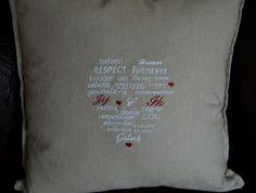 Tekst kussen met woorden in hart vorm Jij en Ik!
