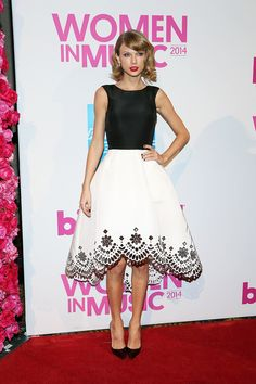So effortlessly chic. | Just A Reminder That Taylor Swift Used To Dress Like This