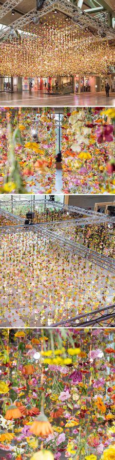 rebecca louise law, flower installation in berlin