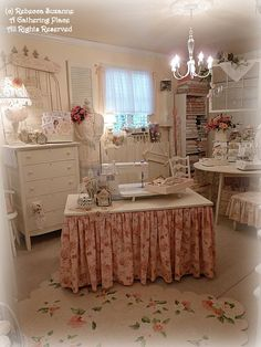 shabby chic sewing room but would do as craft room Sewing Spaces, My Sewing Room, Sewing Rooms, Shabby Chic Crafts, Shabby Chic Homes, Shabby Chic Decor, Craft Room Decor, Craft Room Storage, Home Decor
