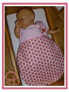 turbulette / gigoteuse pour poupée                                                                                                                                                                                 Plus
