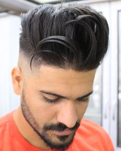 There is 46 Best Pompadour Haircuts Hairstyles for Men today in our boards. 46 Best Pompadour Haircuts Hairstyles for Men maybe will be your best pin ideas for today. Classic Mens Hairstyles, Mens Hairstyles Pompadour, Hairstyles Haircuts, Cool Hairstyles, Trendy Haircut, Fade Haircut, Popular Mens Haircuts, Haircuts For Men, Pelo Hipster