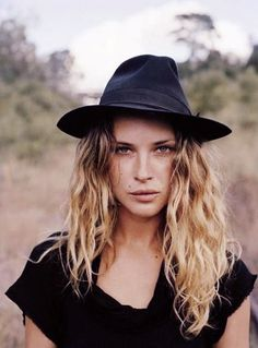 Erin Wasson has that natural beauty playing it down thing, down