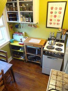 Adorable tiny kitchen!