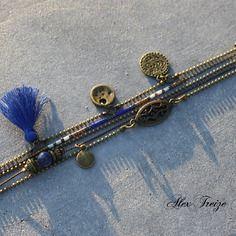 Bijou créateur - bracelet multi-rangs chaîne bronze breloques pompon bleu sequins ethniques perles sodalite et miyuki