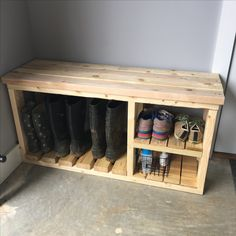 Wooden shoe rack with table top, and space for boots! Wooden shoe rack with table top, and space for boots! Woodworking Furniture, Pallet Furniture, Furniture Projects, Wood Projects, Woodworking Projects, Woodworking Plans, Furniture Storage, Woodworking Techniques, Rooms Furniture