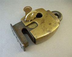 Vintage Lock and Key Antique Safe, Antique Keys, Vintage Keys, Antique Doors, Under Lock And Key, Key Lock, Antique Door Knockers, Antique Shelves, Cool Lock