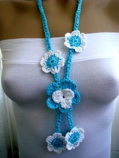 Knitted necklace, teal, turquoise and white.