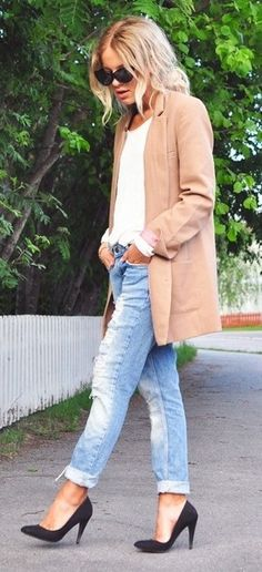 """The """"boyfriend"""" look, made feminine with great heels!  Working that camel long blazer or 3/4 length coat.   R McN"""