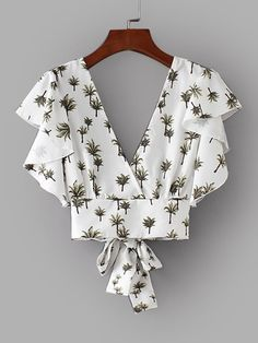 Shop Foliage Print Tie Back Crop Blouse online. SHEIN offers Foliage Print Tie Back Crop Blouse & more to fit your fashionable needs. Casual Outfits, Cute Outfits, Fashion Outfits, Womens Fashion, White Ruffle Blouse, Ruffle Top, Vetement Fashion, Crop Blouse, Tie Blouse