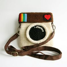 Addicted to Instagram? Show your allegiance with this super fun crocheted Instagram purse