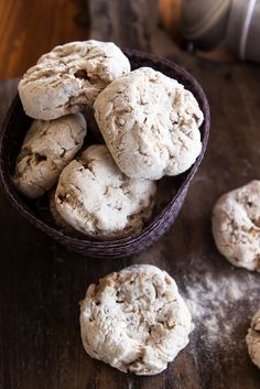 Cavallucci are typical Tuscan Christmas cookies made with walnuts, candied fruit and spices Xmas Food, Christmas Baking, Christmas Cookies, Italian Christmas, Christmas Treats, Christmas Eve, Italian Butter Cookies, Italian Cookie Recipes, Siena