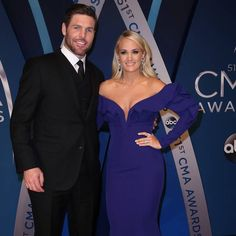 Carrie Underwood's husband thanks fans for support during singer's surgery https://tmbw.news/carrie-underwoods-husband-thanks-fans-for-support-during-singers-surgery  Carrie Underwood's husband has thanked fans for supporting his wife as she recovered from wrist surgery this week (beg13Nov17).Former ice hockey star Mike Fisher rushed to the singer's side after learning she had been hospitalised following a nasty fall at their home in Tennessee last week (10Nov17).Carrie broke her wrist and…