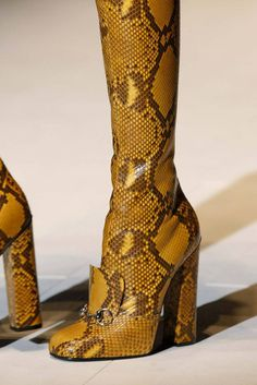 Gucci Fall 2014 Ready-to-Wear Collection Photos - Vogue. Elsa Boutique ·  Gucci Shoes for Woman 17c95f310f0