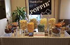 Popcorn with silver sequin, glass and candy toppings. Popcorn Theme, Popcorn Bar, Christmas Popcorn, Family Christmas, Wedding Supplies, Wedding Favors, Wedding Buffet Menu, Sweet Buffet, Character Education