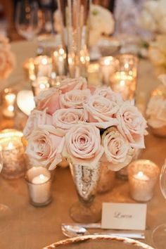 10 seat round table wedding setting - only with white flowers