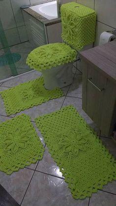 Aprende a como hacer juegos de baños de crochet paso a paso curso gratis Bathroom Mat Sets, Crochet Square Patterns, Crochet Handbags, Filet Crochet, Beautiful Crochet, Baby Sewing, Yarn Crafts, Knitting, Projects
