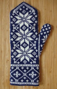 These intricately-patterned mittens are a riff on an old Norwegian rose motif… Knitted Mittens Pattern, Fair Isle Knitting Patterns, Knit Mittens, Knitted Gloves, Knitting Stitches, Knitting Projects, Crochet Projects, Norwegian Knitting, Paintbox Yarn