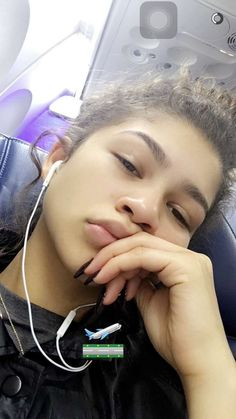 Fashion is a great thing, I think it's a way to express who you are. Estilo Zendaya, Zendaya Style, Zendaya Fashion, Zendaya Coleman, Glowy Skin, Skin Makeup, Zendaya Eyebrows, Zendaya No Makeup, Zendaya Snapchat