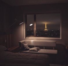 54 Trendy Apartment Bedroom Ideas For Couples Romantic Beds Night Aesthetic, City Aesthetic, Aesthetic Rooms, Aesthetic Grunge, Mountain Bedroom, Forest Bedroom, Nature Bedroom, Modern Bedroom, City Bedroom
