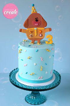 Hey Duggee Cake Hey Duggee cake with hand cut fondant cake topper.