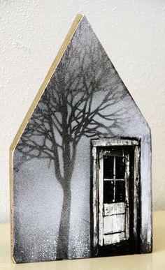 Saskia Obdeijn - House with door and tree Foto Transfer, Ceramic Houses, Wooden Houses, Encaustic Art, Pallet Art, Paper Houses, Driftwood Art, Miniature Houses, Little Houses