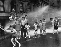 Weegee - Summer on the Lower east Side (1937)