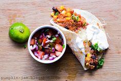 Pumpkin Jam: mustapapu-kvinoa-burrito ja salsa roja