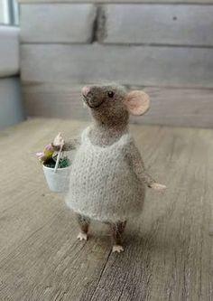 Resultado de imagen para how to needle felt a mouse #feltanimalsdiy
