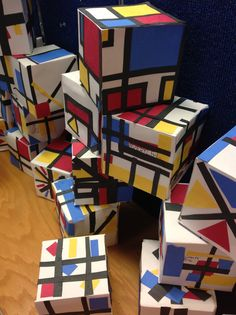 The Artsy Fartsy Art Room: Mondrian Inspired Cubes!