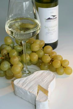 Tips on a Good Wine & Cheese Party