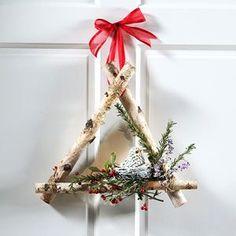Christmas Wreath: Cool Triangle Shape!