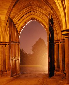 Reminds me of Doon! Night Rain - University of Glascow, Scotland Glasgow Scotland, Edinburgh, Scottish Accent, Scottish Culture, Night Rain, Adventure Is Out There, Nature Pictures, Places To See, Glasgow University
