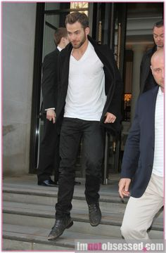 CHRIS PINE BR/ Chris Leaves Hotel With 'Star Trek Into Darkness' Co-Stars ZACHARY QUINTO, BENEDICT CUMBERBATCH & ALICE EVE