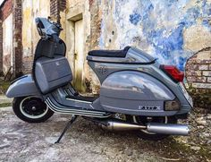 All things Lambretta & Vespa, well all things if they are pictures. (and perhaps the odd other. Vespa Piaggio, Vespa Bike, Lambretta, Vespa Scooters, Vintage Vespa, Vespa Retro, Vespa 150, Lml Star, Custom Vespa