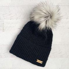 Crochet Beanie Pattern, Crochet Gloves, Faux Fur Pom Pom, Pom Pom Hat, Knitted Blankets, Knitted Hats, Black Beanie, Winter Hats For Women, Brim Hat