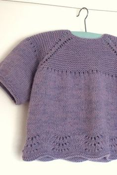 Knit Baby Sweaters, Couture, Crochet Crafts, Little People, Baby Knitting, Crochet Top, Knitwear, Embroidery, Sewing