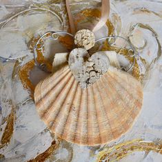 Angel made from a local seashell! Handmade Books, Sea Shells, Illustration Art, My Arts, Angel, Color, Inspiration, Art, Craft Books