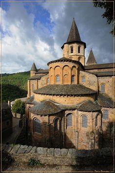Eglise Sainte-Foy de Conques, début du XIIe siècle : vue du chevet