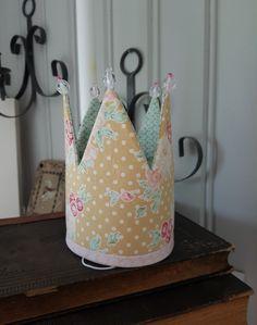 Prinsessakruunu, Tilda, Tilda-kankaat, ompelutyöt, ompelukset, ompelua lapsille, sewing for kids