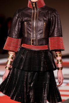 Alexander McQueen Spring 2014 Ready-to-Wear
