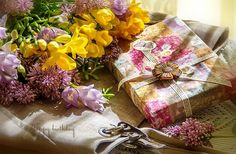 Happy Birthday Gifts, Desktop, Gift Wrapping, Wallpaper, Birthday Surprises, Nature, Flowers, Gift Wrapping Paper, Desk