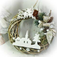 Vánoční věnec - Naše vesnička s kostelíkem Grapevine Wreath, Grape Vines, Christmas Wreaths, Display, Beautiful, Home Decor, Natal, Christmas Swags, Homemade Home Decor