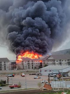 Fort McMurray apartment fire