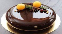 37 ideas cake chocolate glaze for 2019 Pear And Almond Cake, Almond Cakes, Food Cakes, Cupcake Cakes, Chocolate Cupcakes Decoration, Cake Recipes, Dessert Recipes, Decoration Patisserie, Beautiful Desserts