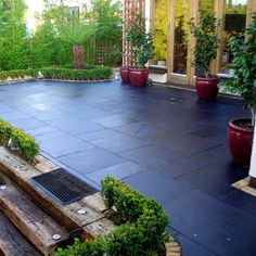 Natural stone patio diy retaining walls 68 Ideas for 2019 - Modern Patio Slabs, Patio Tiles, Outdoor Tiles, Concrete Patio, Outdoor Pavers, Patio Roof, Backyard Garden Design, Diy Garden Decor, Garden Ideas