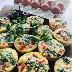 Æggemuffins Lunch Snacks, Easy Snacks, Lunch Box, I Love Food, Good Food, Great Breakfast Ideas, Vegetarian Recipes, Healthy Recipes, Comfort Food