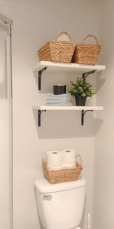 Bathroom Organization Hacks Whose bathroom doesn't need a little organizing? Ok, maybe a lot of organizing! I know for myself if I wouldn't take the extra effort to organize our bathroom and to keep it up. It woul… Organisation Hacks, Bathroom Organisation, Room Organization, Bathroom Storage, Organized Bathroom, Bathroom Hacks, Bathroom Ideas, Budget Bathroom, Bathroom Renovations