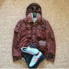 Top Tips To Find The Perfect Pair Of Shoes For Men. Football Casual Clothing, Football Casuals, Casual Wear, Casual Shoes, Casual Outfits, Men Casual, Smart Casual, Workout Wear, Sneakers Fashion
